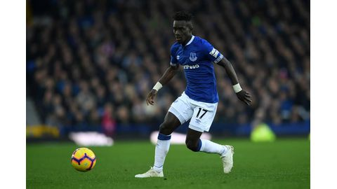 PSG sign Gueye on four-year contract
