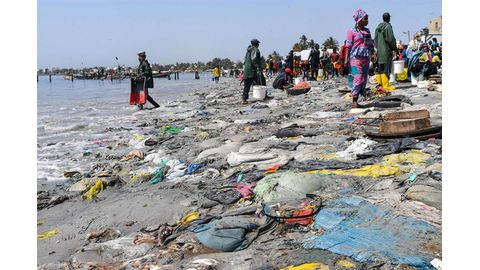 In pursuit of 'zero waste', Senegalese tackle trash