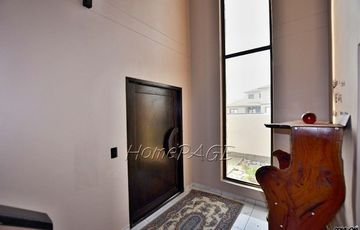 ​Ext 8 (Hage Heights), Swakopmund: 4 Bedr Home with 2 Bedr Flat is for Sale