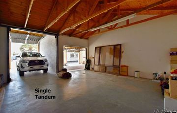 Central, Walvis Bay: NEAT AS A PIN Home with Flat AT A HUGE DISCOUNT