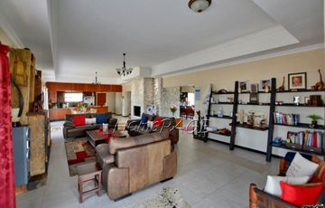 Ext 10, Henties Bay: Beautiful, Spacious Home is for Sale