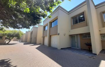 Immaculate three bedroom townhouse in Eros for sale