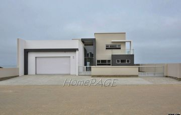 Ext 11 (Sun Bay), Henties Bay: BEAUTIFUL BEACHFRONT CONTEMPORARY HOME is for Sale