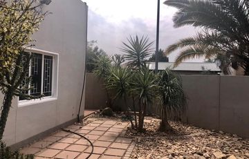 4 Bedroom House To Rent in Cimbebasia
