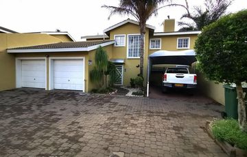 Very neat and cozy double-storey townhouse for sale in Olympia