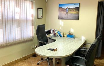 Doctor's Consulting Room To Rent in Eros