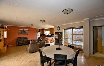 Central, Walvis Bay: 4 Bedr Duet Home is for Sale