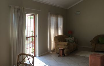 OLYMPIA / HELLA KUPPE STREET - 3 BEDROOM TOWNHOUSE (SHOWHOUSE)