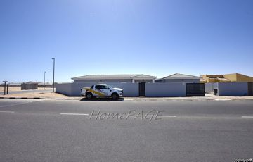 Ext 9, Swakopmund: Home on corner plot is for sale