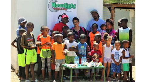 Nakale Athletics treats children