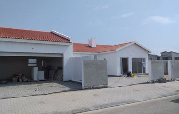 3 Bedroom Townhouse For Sale in Kramersdorf Swakopmund