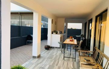 Modern 3 Bedroom House for Sale with a 2 Bedroom Flat