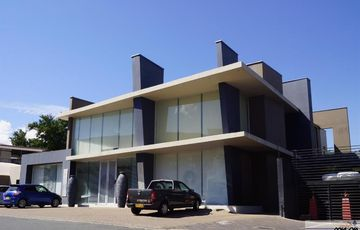 Modern & Stylish offices for sale, definitely offers that Wow factor!