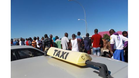 Taxi drivers want legal protection