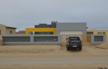 Ext 10, Henties Bay: BRAND NEW 3 BEDR HOME FOR ONLY N$1 450 000