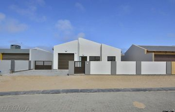 ​Matatura, Swakopmund: Neat, BRAND NEW, Upmarket Home is for Sale