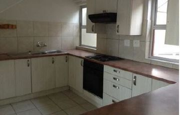 2 Bedroom, 1 bathroom duplex unit in MINT CONDITION in Kleine Kuppe, For Sale, Selling well under valuation, registered in a CC