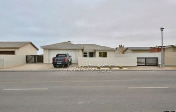 Ext 15, Swakopmund: BEAUTIFUL, Well maintained Home is for Sale