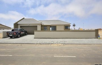 ​Ext 14, Swakopmund: U-Shaped Home on Large Plot is for Sale