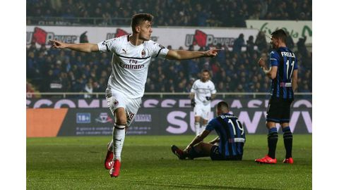 Milan stay on Champions League course