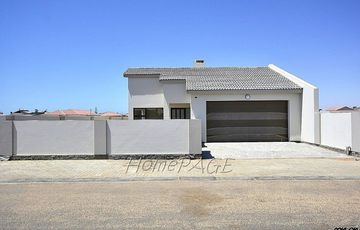 ​Meersig, Walvis Bay: BRAND NEW HOME IS FOR SALE