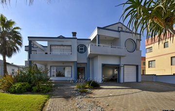 Vogelstrand, Swakopmund: High Lying Double Storey on large plot is for Sale
