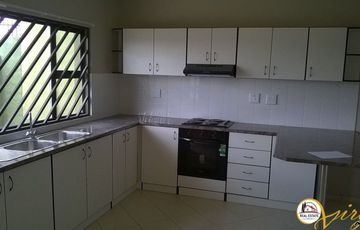 3 BEDROOM TOWNHOUSE IN ROCKY CREST