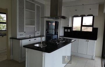 Beautiful 5 bedroom house to rent in Auasblick.