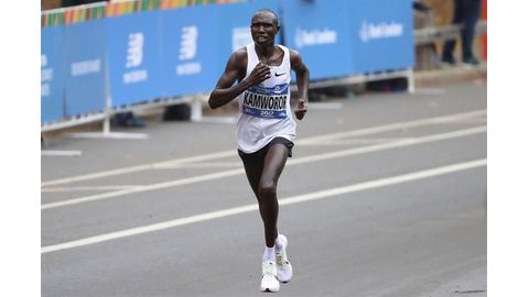 Kamworor scoops sixth title