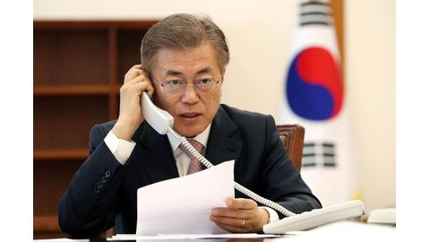 New S. Korean president in calls with China, Japan leaders
