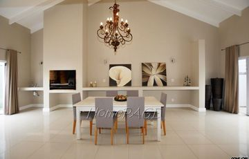 ​Meersig Ext 1, Walvis Bay: BEAUTIFUL Contemporary Home is for Sale