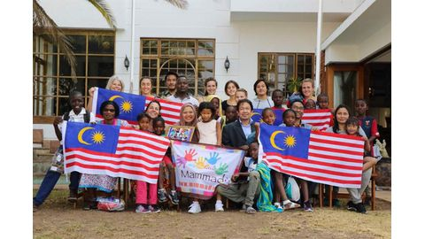 Malaysia celebrates 60th anniversary with orphans