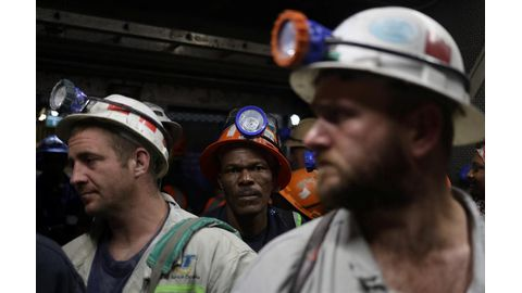 Global unemployment down, but too many working poor