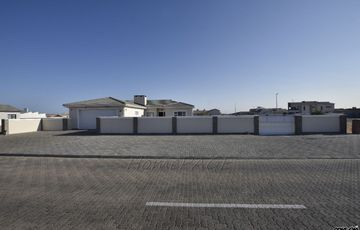 Ext 9, Swakopmund: An ABOVE AVERAGE, BEAUTIFUL HOME, is for sale