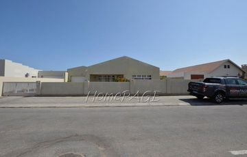 Ext 9, Swakopmund:  Neat, Spacious 3 Bedr Home is for Sale