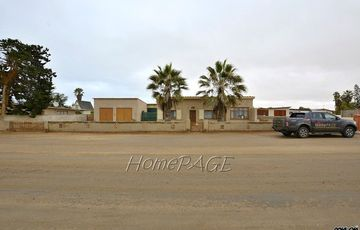 Ext 1, Henties Bay: Home with Flat is for Sale