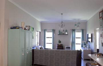Avis Gorgeous town house in much loved St. Michaels Park Complex