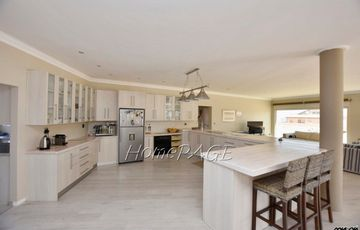 Ext 11 (Sun Bay), Henties Bay: LUXURIOUS 4 bedroom home for sale