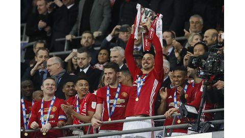 Mourinho demands United trophy charge