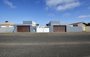 Central, Walvis Bay: Very Neat Townhouse is for Sale