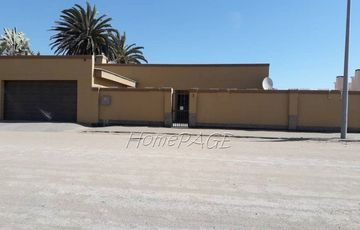 Meersig, Walvis Bay: Home with two 1 bedr flats is for Sale