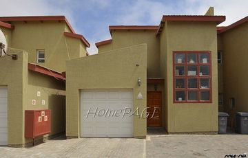 ​Ext 9, Swakopmund: 2 Bedr Townhouse AT THE RIGHT PRICE