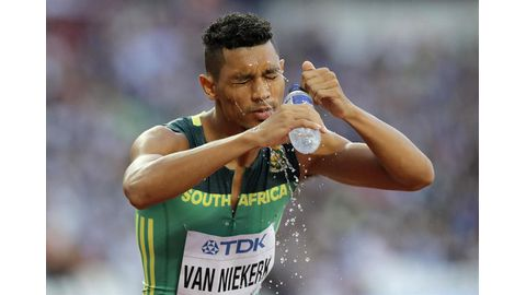 Knee surgery successful - Van Niekerk