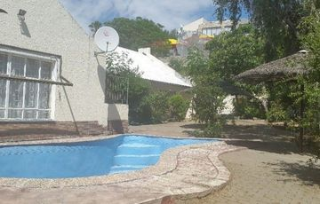 4 Bedroom House in Eros, close to Medicity with big yard: Developers Dream...Valuation 4.2mil selling for N$3 370 000.