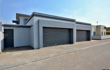 ​Fairway Estates, Walvis Bay: Beautiful Contemporary Homes are for Sale