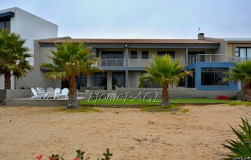 Long Beach Ext 2, Walvis Bay: BEAUTIFUL, LARGE, BEACHFRONT HOME is for sale