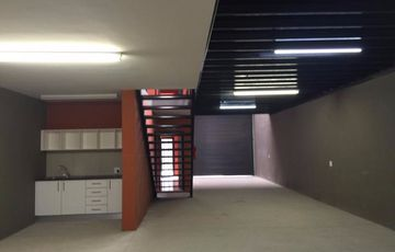 Prosperita - warehouse Well maintained warehouse of 187sqm close to Aucor