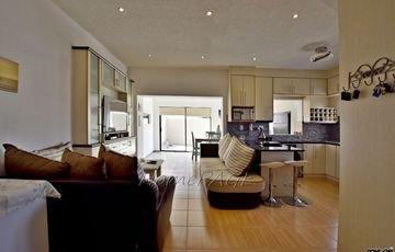 Mile 4, Swakopmund: Beautiful, Very Neat 2 Bedr Townhouse is for Sale