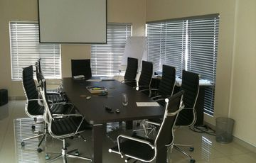 Hosea House - 206 m² Office Space