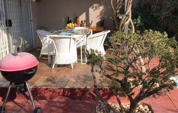 Fully Furnished 3 bedroom townhouse in Suiderhof
